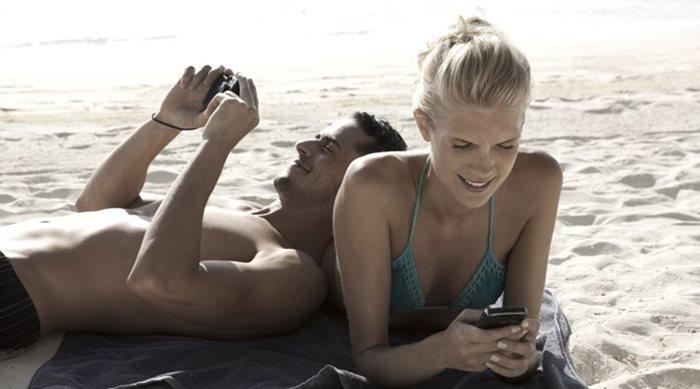 10 tips για να προστατέψτε τις αγαπημένες σας συσκευές στην παραλία