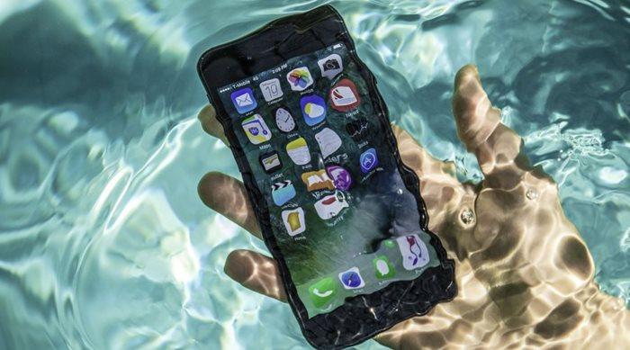 Τι κάνουμε όταν βραχεί ένα iPhone 7